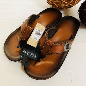 Wilson's Leather men's flip flops w/ bottle opener